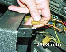 Снятие и установка низкой панели приборов (торпеды) ВАЗ 2108-2109